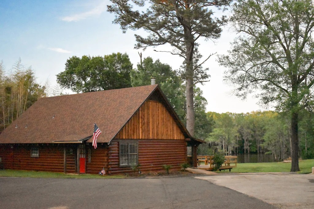a photo of a breathtaking lakefront lodge one of the best lake cabins in Texas