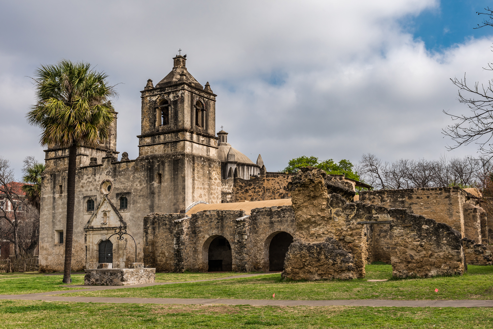 Mission Concepcion an old stone castle in San Antonio, one of the ten must-see castles in Texas.