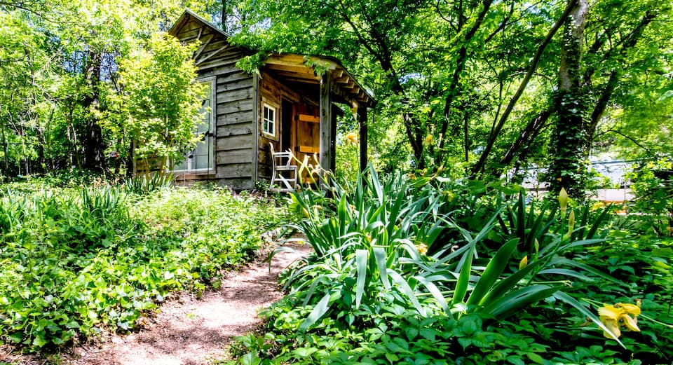 photo of charming cabin an airbnb in Dallas