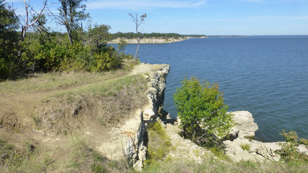 view of lake texoma in Eisenhower park one of the parks in San Antonio